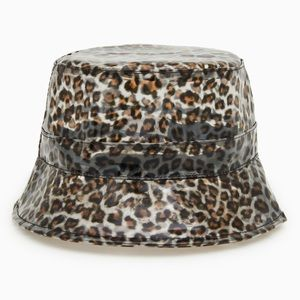 Animal print bucket hat